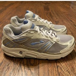 Brooks Addiction Running Shoes Women's Size 7